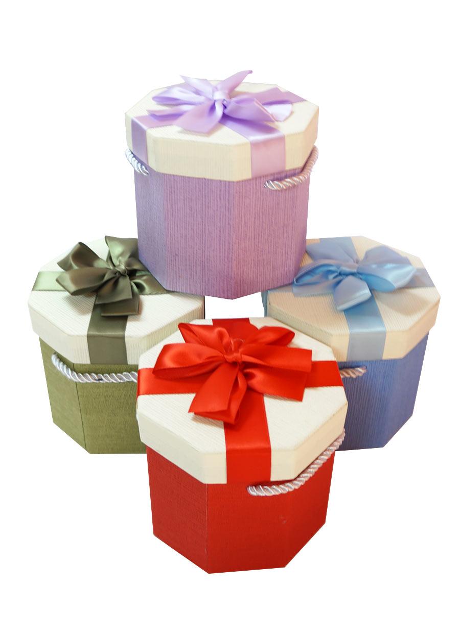 Украшенные коробки с подарками 945